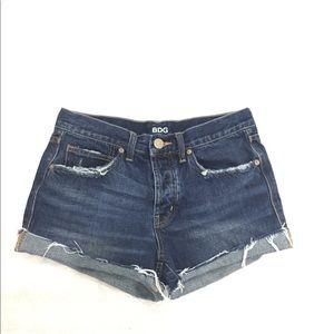 BDG UO Tom girl dark wash distressed denim shorts